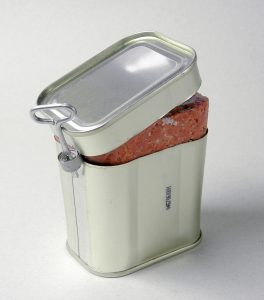 Étvágygerjesztő kutyakonzerv